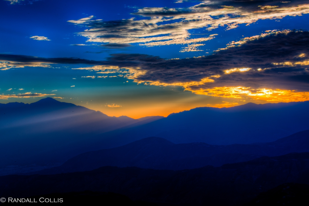 Ode to the Blue Hour at Wu Meng Mountain