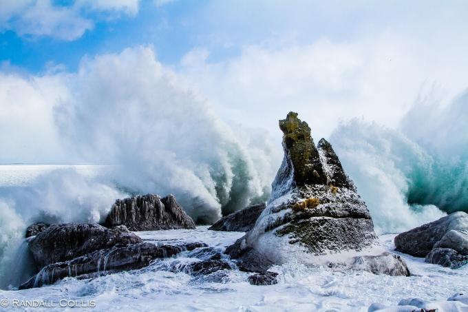 Waves of Shiretoko Peninsula - Rausu town