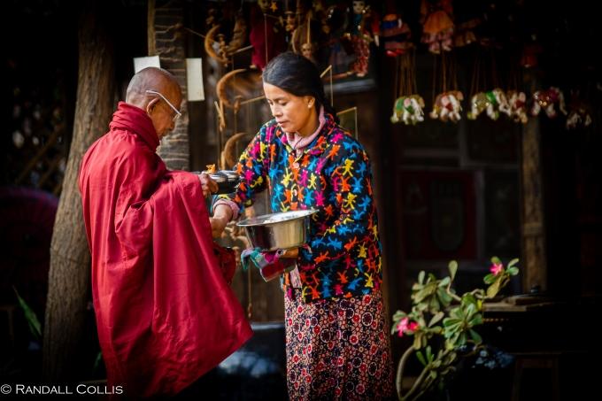 Monk and Women of Myanmar - Men In Management-15