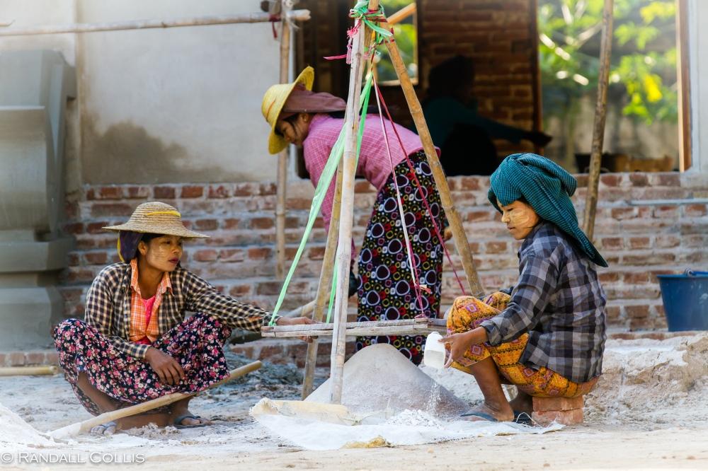 Women of Myanmar - Men In Management-4